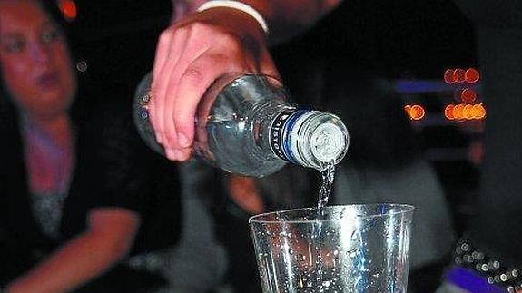 Los menores vascos buscan 'borracheras exprés' con alcohol de alta graduación