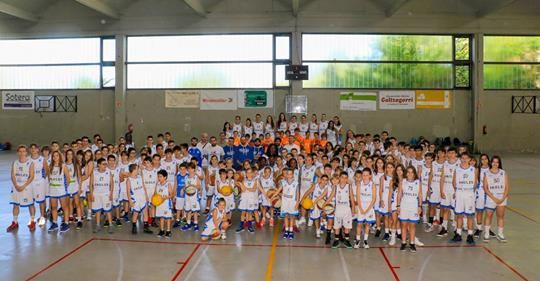 Presentación de equipos de baloncesto
